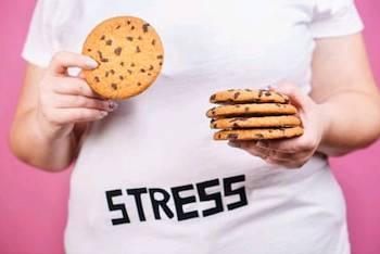 Как справиться со стрессом без переедания