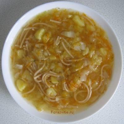 Фото: Овощной суп с лапшой